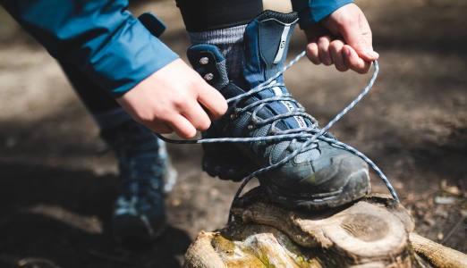 Opgradér dit fodtøj med såler og strømper